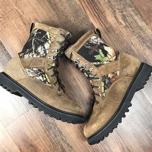 1d0b2beed28 Cabela s Leather And Camo Hunting Boots Size 10.5D